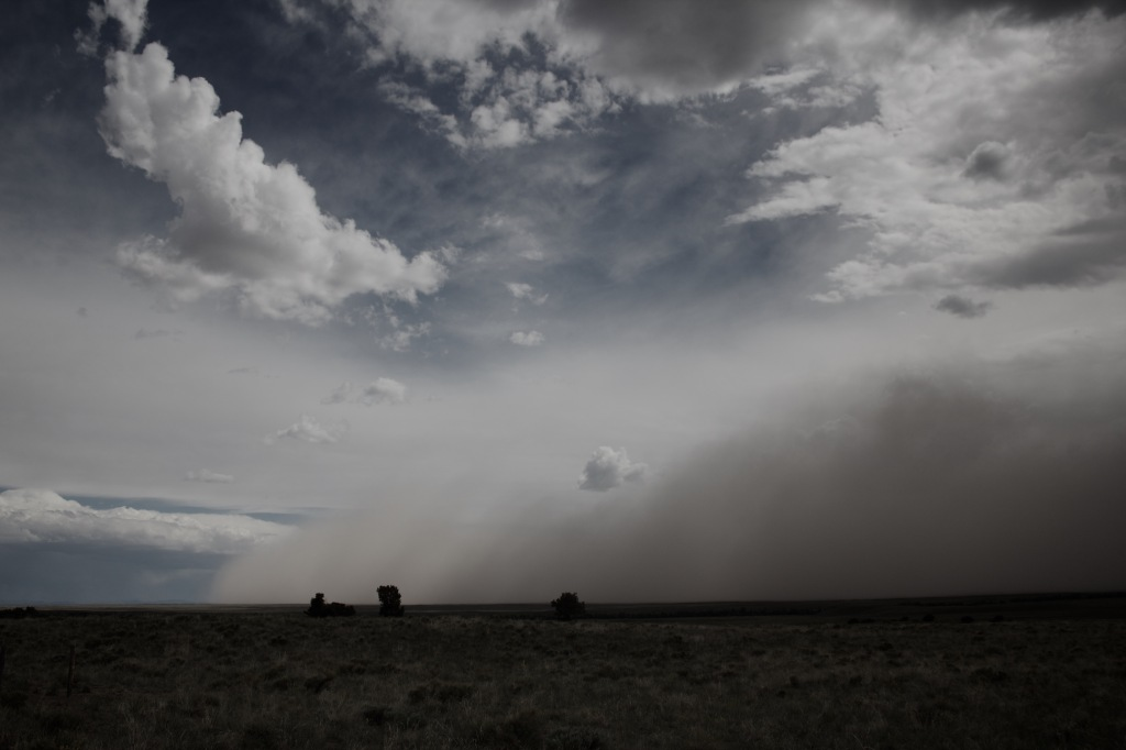 Dust storm Moving on From the Northern Liberty Gate Access road